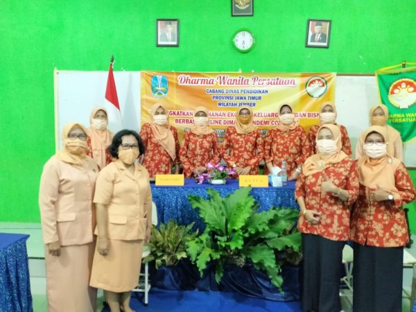 Kegiatan Webinar Dharma Wanita Persatuan Cabang Dinas Pendidikan