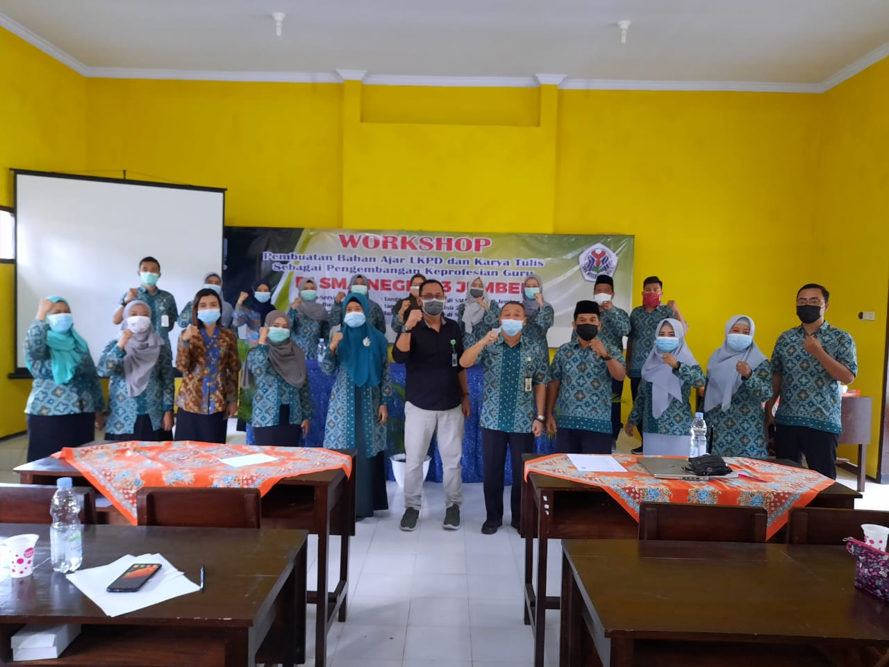 Workshop Pembuatan Bahan Ajar LKPD dan Karya Tulis